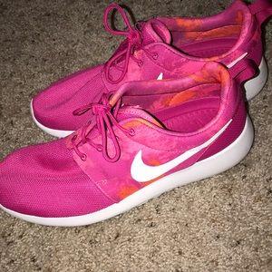 47b8bdbe1276 Nike Shoes - Pink women s Nike Roshe 9.5 PRE owned